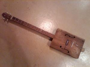 Cigar Box Guitar (version 2)